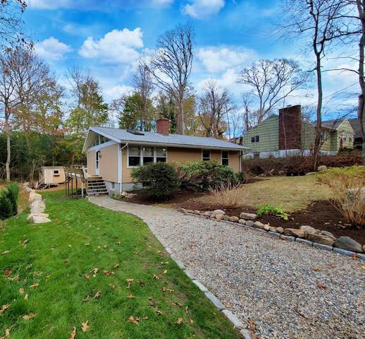 11 George Street, Woods Hole, MA 02543 (MLS #22007891) :: Rand Atlantic, Inc.