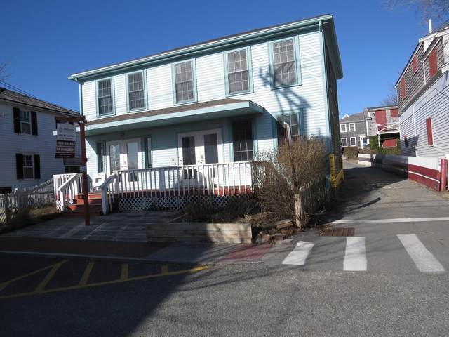 398 Commercial Street Studio, Provincetown, MA 02657 (MLS #22101349) :: Cape Cod and Islands Beach Properties