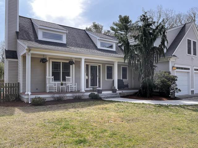 725 Old Barnstable Road, East Falmouth, MA 02536 (MLS #22101802) :: Leighton Realty