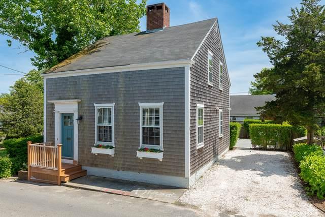 8 E Dover Street, Nantucket, MA 02554 (MLS #22103155) :: Cape Cod and Islands Beach Properties