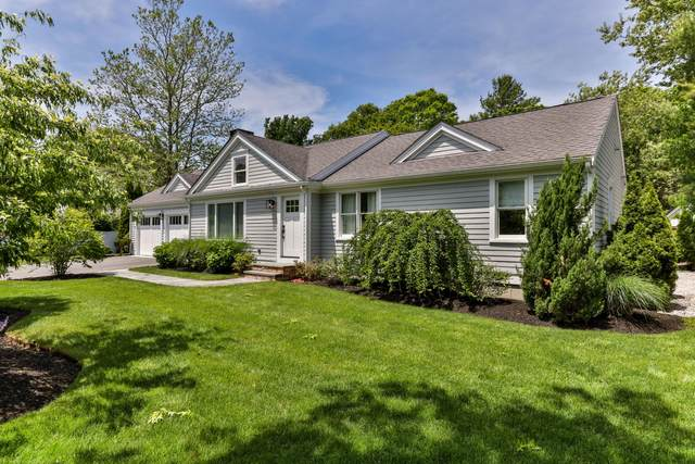 48 Warwick Way, Centerville, MA 02632 (MLS #22103317) :: Cape Cod and Islands Beach Properties