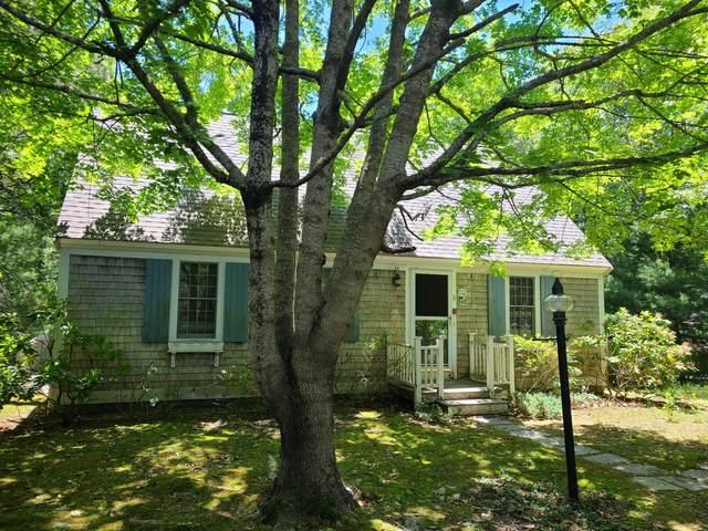 11 Hickory Circle, Mashpee, MA 02649 (MLS #22103417) :: Cape Cod and Islands Beach Properties