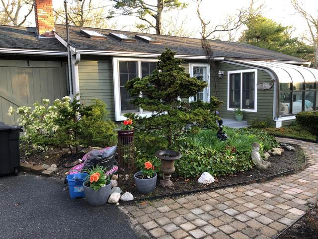 67 Cliff Road, Monument Beach, MA 02553 (MLS #22103437) :: Leighton Realty