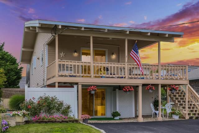 8 Feake Avenue, Sandwich, MA 02563 (MLS #22104138) :: Kinlin Grover Real Estate
