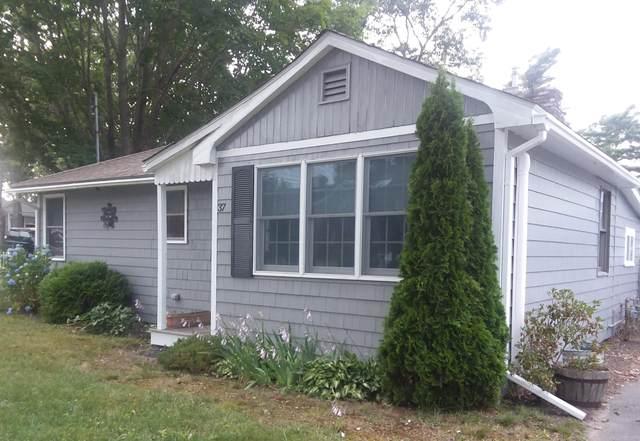 37 Beechwood Place, Wareham, MA 02571 (MLS #22104337) :: Kinlin Grover Real Estate