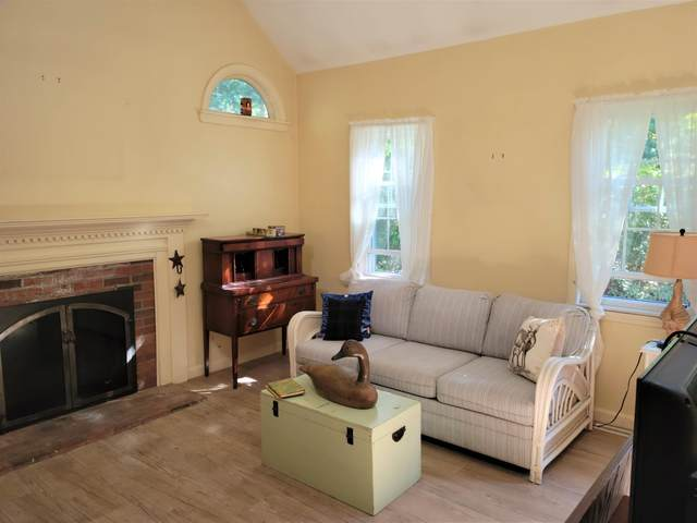 193 Zeno Crocker Road, Centerville, MA 02632 (MLS #22106142) :: Cape Cod and Islands Beach Properties