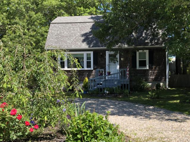 30 Columbus Drive, East Falmouth, MA 02536 (MLS #21901422) :: Kinlin Grover Real Estate