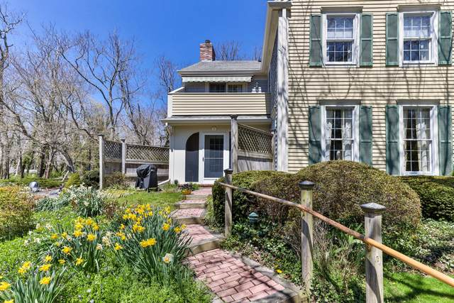 22 Center Place #2, Orleans, MA 02653 (MLS #22002088) :: Leighton Realty