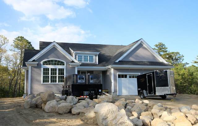 11 Mckenna Ridge Road, East Falmouth, MA 02536 (MLS #22102292) :: Cape Cod and Islands Beach Properties