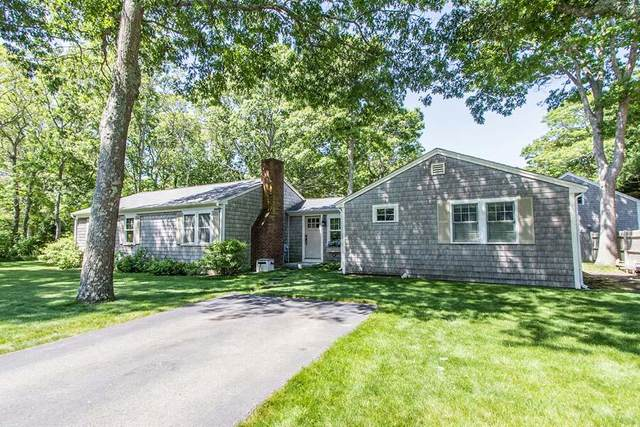 563 Strawberry Hill Road, Centerville, MA 02632 (MLS #22103432) :: Cape Cod and Islands Beach Properties
