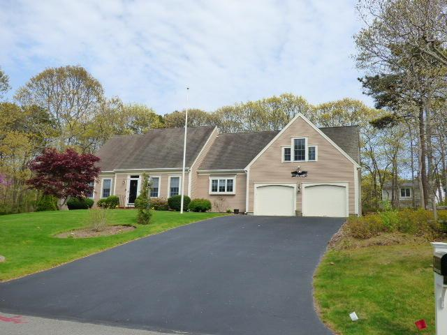 8 Ironwood Court, Yarmouth Port, MA 02675 (MLS #21903668) :: Kinlin Grover Real Estate