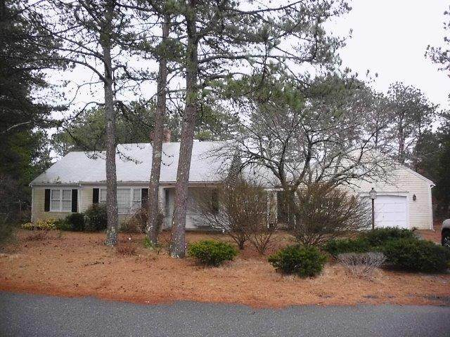 123 Beacon Street, South Yarmouth, MA 02664 (MLS #22001207) :: Kinlin Grover Real Estate
