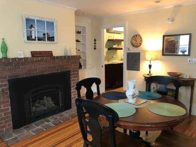 493 Commercial Street U1, Provincetown, MA 02657 (MLS #22100919) :: Cape Cod and Islands Beach Properties