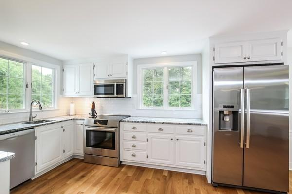 68 Lakeview Avenue, Chatham, MA 02633 (MLS #21807149) :: ALANTE Real Estate