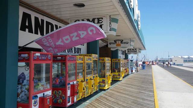 5204 Boardwalk, Wildwood, NJ 08260 (MLS #200382) :: The Ferzoco Group