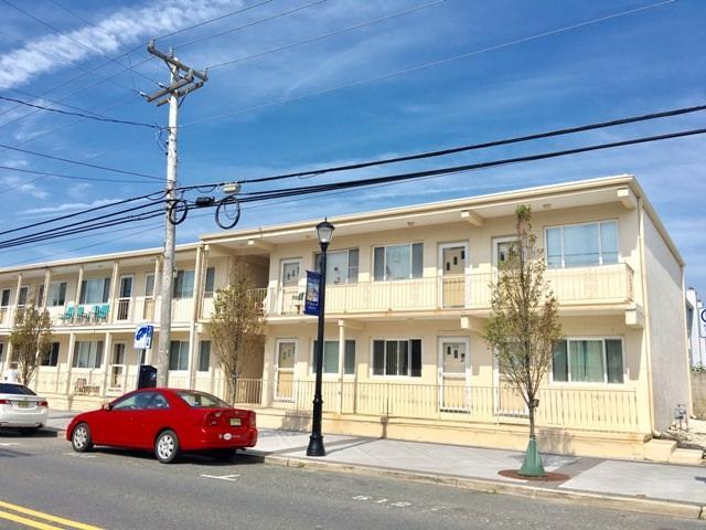3918 Landis Avenue #106, Sea Isle City, NJ 08243 (MLS #177708) :: The Ferzoco Group