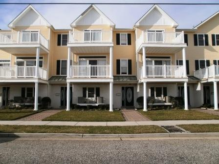 1004 Ocean Ave. #4, North Wildwood, NJ 08260 (MLS #179938) :: The Ferzoco Group