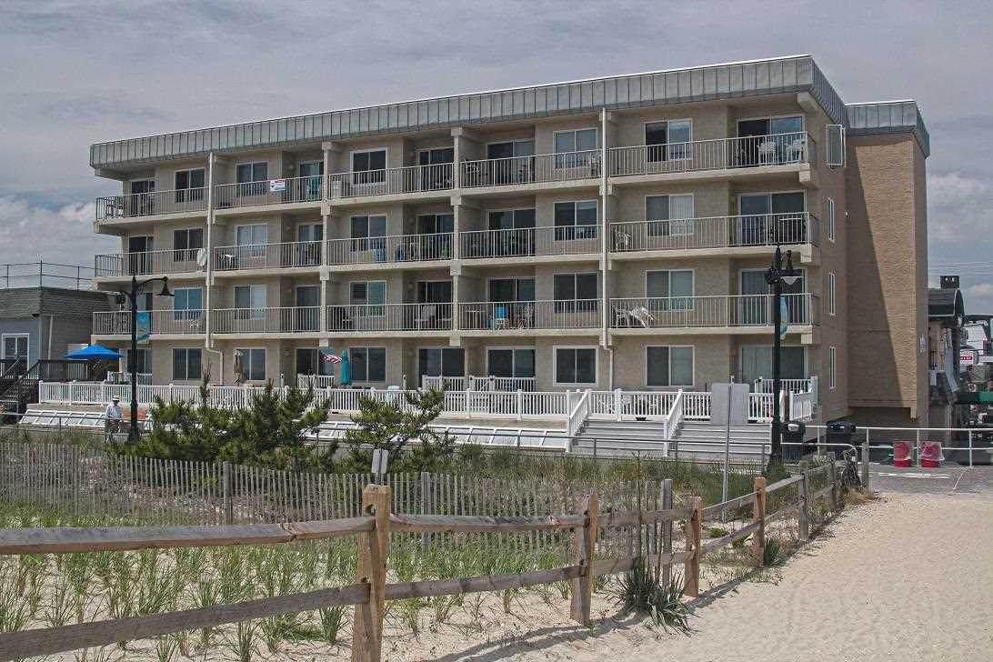 4100 Boardwalk - Photo 1