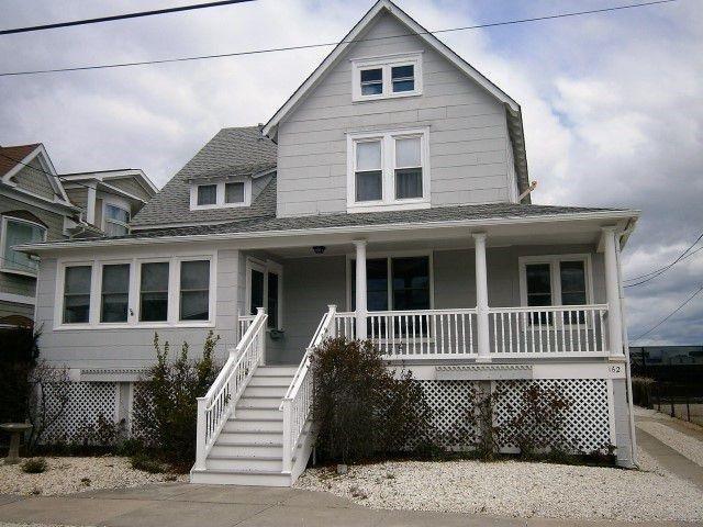 162 83rd St., Stone Harbor, NJ 08247 (MLS #184823) :: The Ferzoco Group