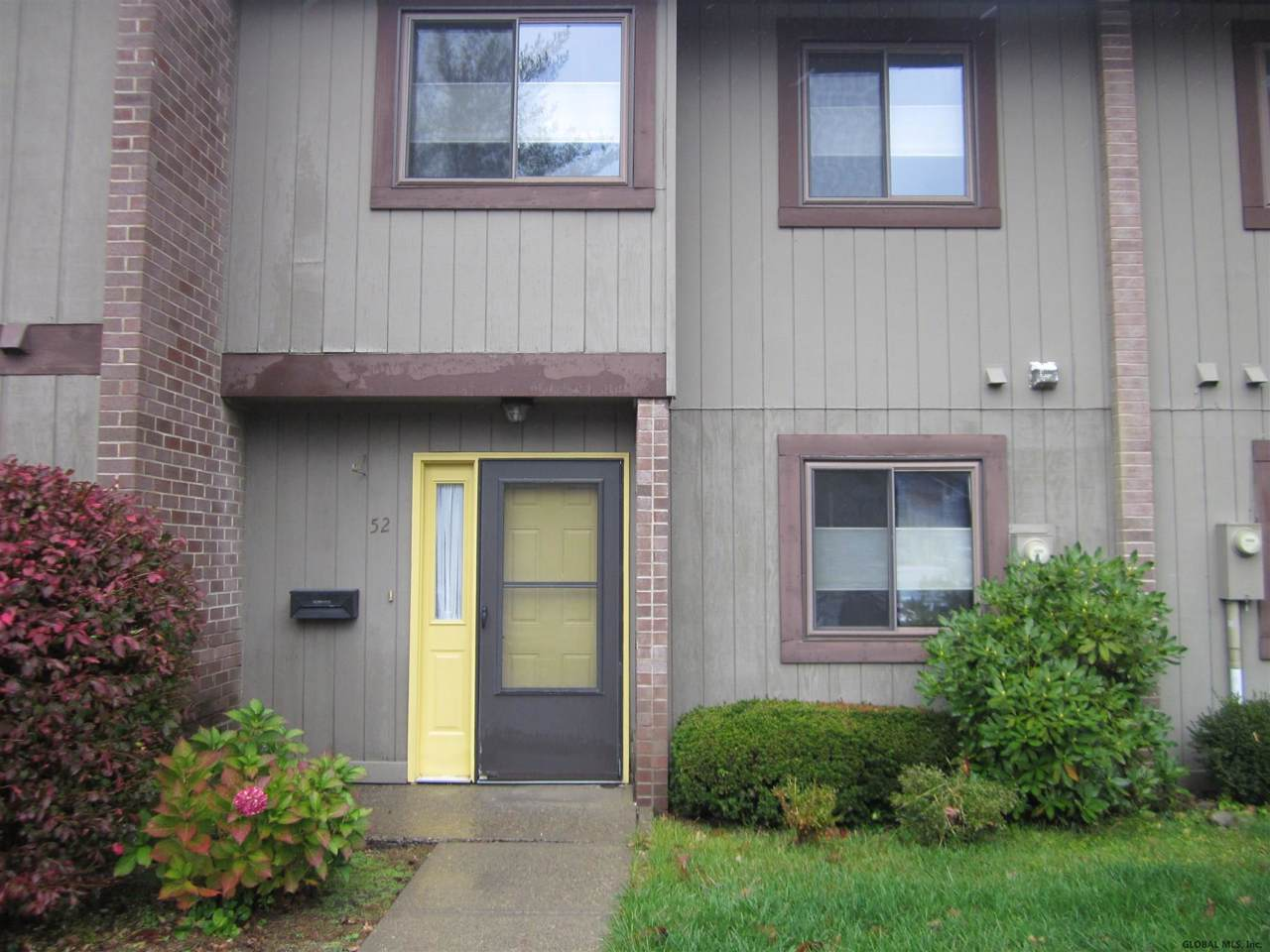 52 Point Of Woods Dr - Photo 1
