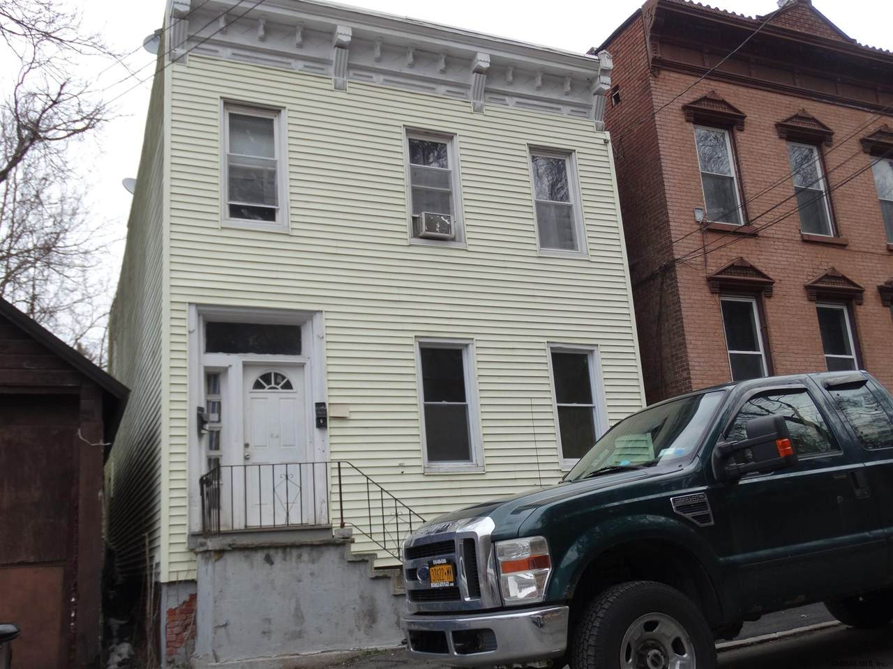 51 Tyler St - Photo 1