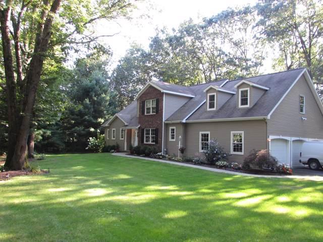 97 Longkill Rd, Ballston Lake, NY 12019 (MLS #201931043) :: Picket Fence Properties