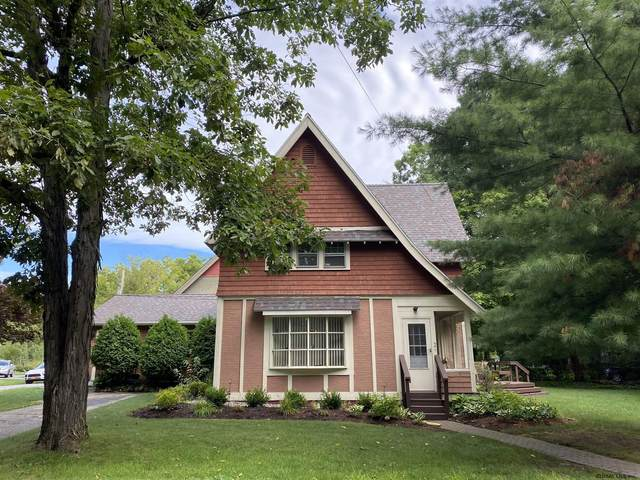 2 Carriage House La, Saratoga Springs, NY 12866 (MLS #202027276) :: The Shannon McCarthy Team | Keller Williams Capital District