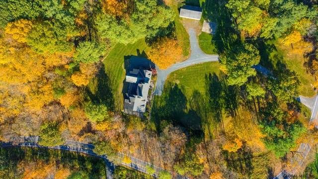 2 Norman Vale Ln, Guilderland, NY 12084 (MLS #202028442) :: The Shannon McCarthy Team | Keller Williams Capital District