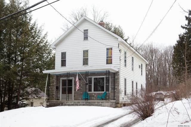32 Parsons Av, Hoosick Falls, NY 12090 (MLS #202112870) :: Carrow Real Estate Services