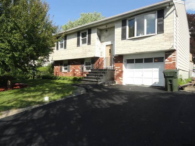 23 Mcdonald Dr, Cohoes, NY 12047 (MLS #202117034) :: The Shannon McCarthy Team | Keller Williams Capital District