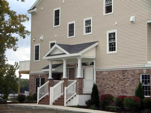 14101 Admirals Walk, Cohoes, NY 12047 (MLS #202117554) :: The Shannon McCarthy Team | Keller Williams Capital District