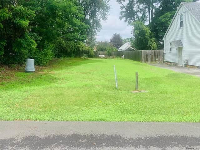 75 Fox Av, Colonie, NY 12304 (MLS #202123360) :: Carrow Real Estate Services