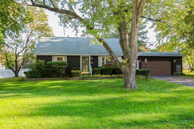 20 Manchester Dr, Halfmoon, NY 12065 (MLS #202130546) :: The Shannon McCarthy Team | Keller Williams Capital District