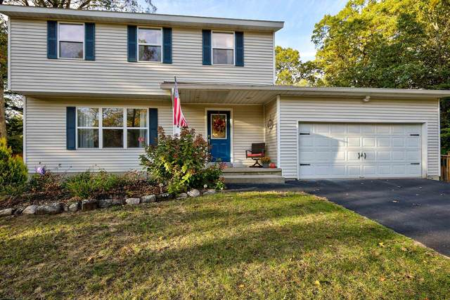 32 Tamarack Tr, Saratoga Springs, NY 12866 (MLS #202131174) :: Carrow Real Estate Services