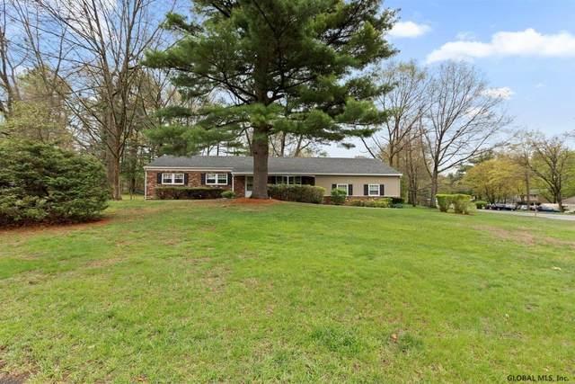 22 Sturbridge Ct, Clifton Park, NY 12065 (MLS #202117664) :: Carrow Real Estate Services