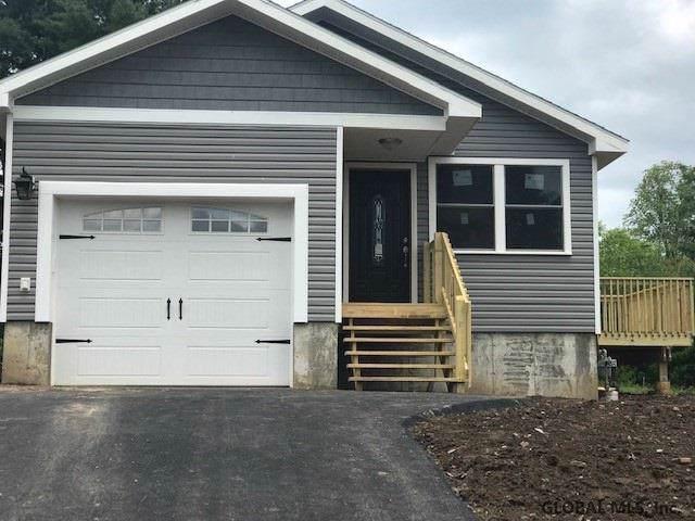 29 Walnut Av, Johnstown, NY 12095 (MLS #201828568) :: Picket Fence Properties