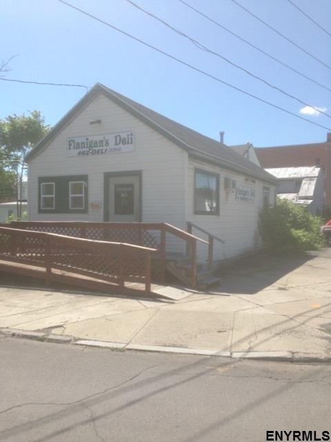 63 Green St, Rensselaer, NY 12144 (MLS #201711734) :: Weichert Realtors®, Expert Advisors
