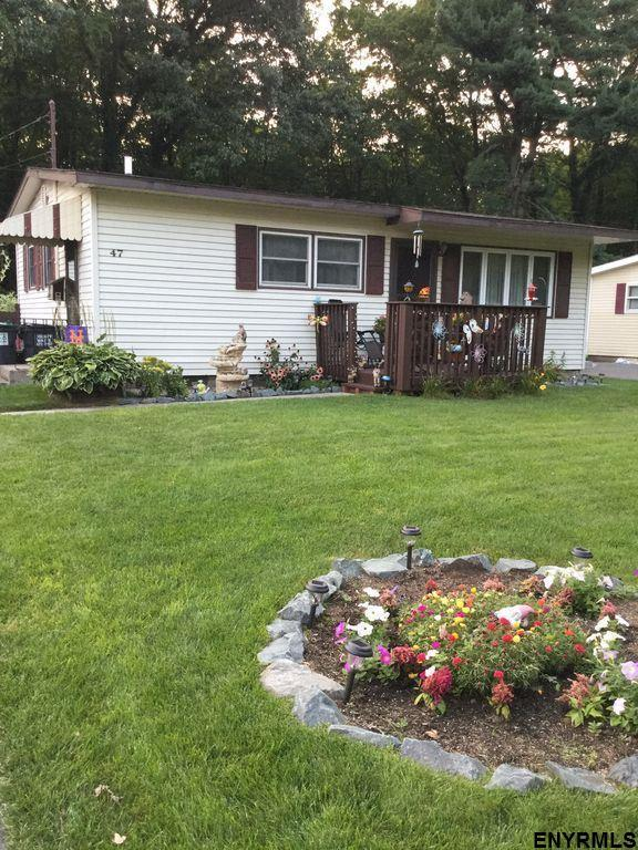 47 Sherwood Dr, Latham, NY 12110 (MLS #201812487) :: 518Realty.com Inc