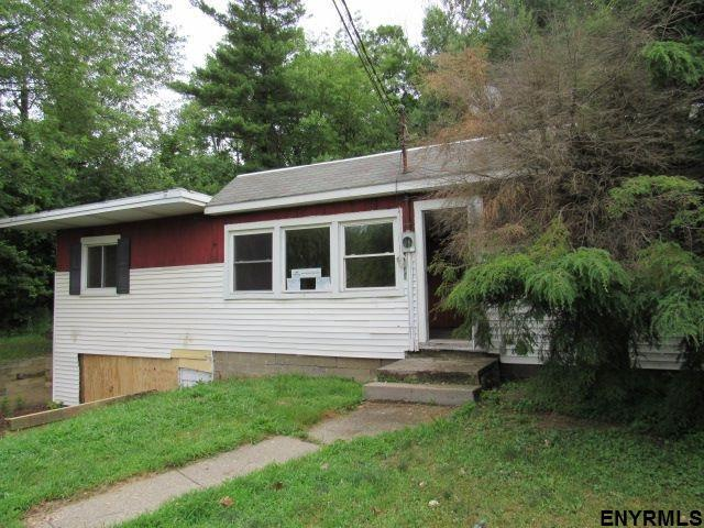 850 Luther Rd, East Greenbush, NY 12061 (MLS #201826339) :: 518Realty.com Inc
