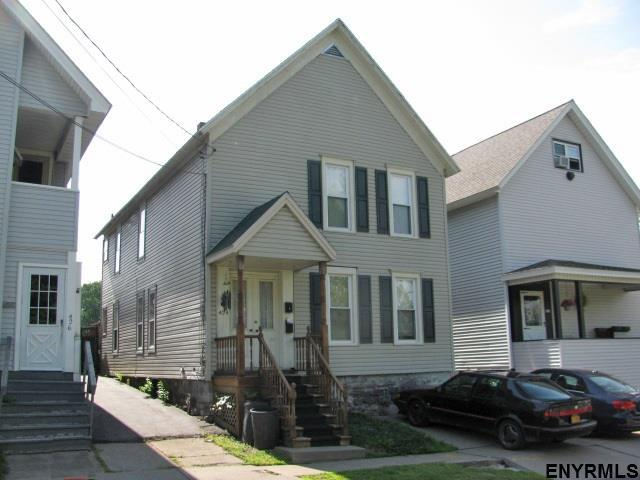 424 North Market St, Johnstown, NY 12095 (MLS #201830409) :: Victoria M Gettings Team