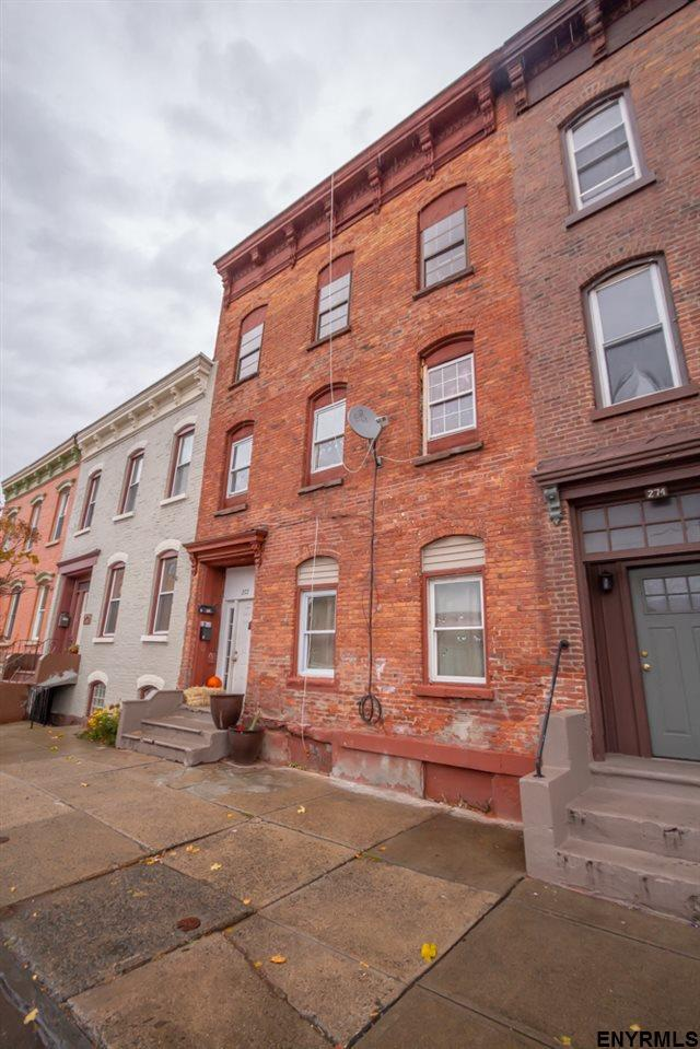 272 3RD ST, Troy, NY 12180 (MLS #201833387) :: 518Realty.com Inc