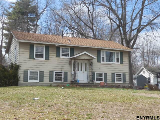 19 Manchester Dr, Clifton Park, NY 12065 (MLS #201910196) :: Victoria M Gettings Team