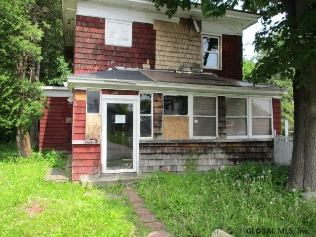 3674 Maple Av, Florida, NY 12010 (MLS #201921902) :: Picket Fence Properties