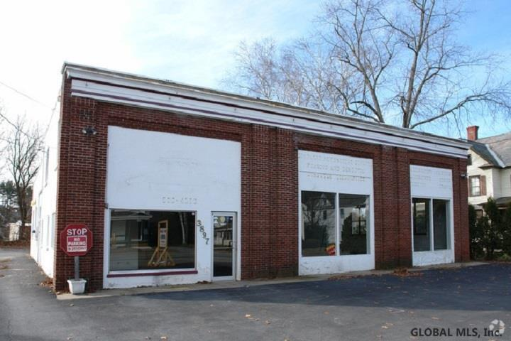 3897 Main St - Photo 1