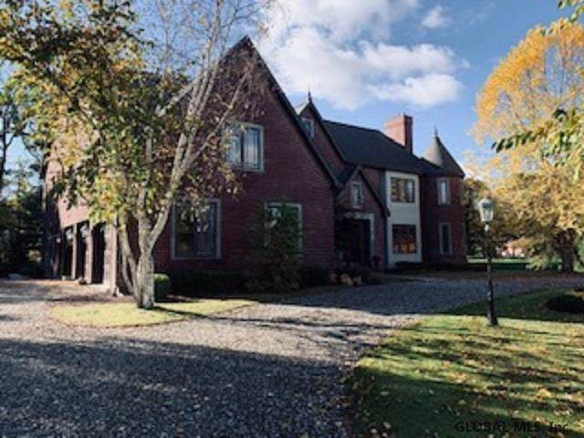 6 Shalimar Ct, Loudonville, NY 12211 (MLS #201933398) :: Picket Fence Properties
