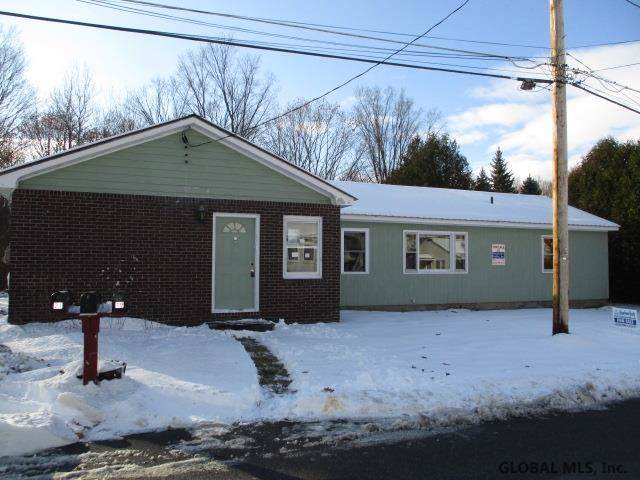 20 Champlain Dr, Mineville, NY 12956 (MLS #201935336) :: Picket Fence Properties