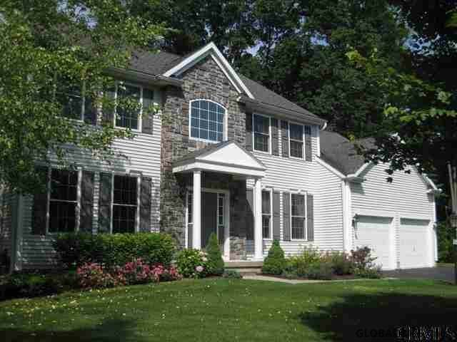 6002 Queen Mary Ct, Schenectady, NY 12303 (MLS #201936125) :: Picket Fence Properties