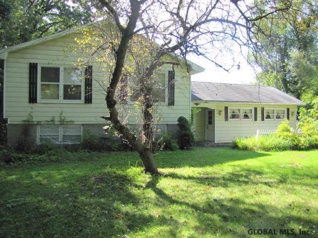 19 Dino Dr, Ballston Lake, NY 12019 (MLS #202010993) :: Picket Fence Properties