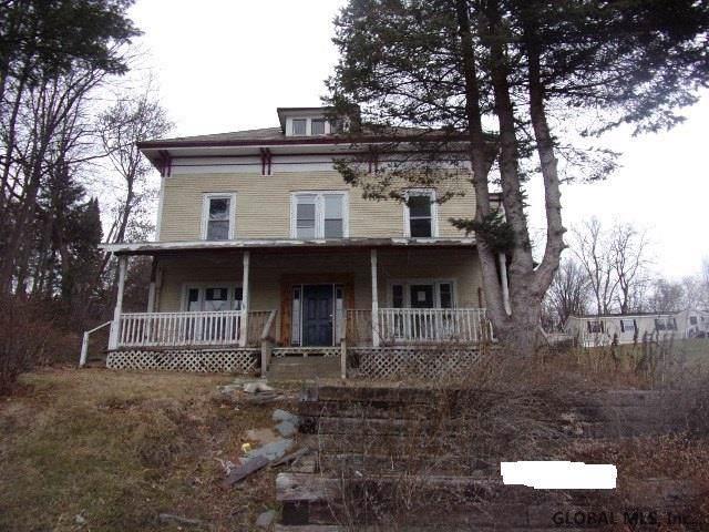 118 Burgoyne Rd, Ticonderoga, NY 12883 (MLS #202011087) :: Picket Fence Properties