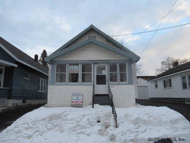 314 4TH ST, Scotia, NY 12302 (MLS #202011270) :: Picket Fence Properties
